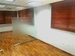 Alquilo Local para Oficina en Naco, edificio corporativo, 70 mts, nivel 4, US$ 950.00